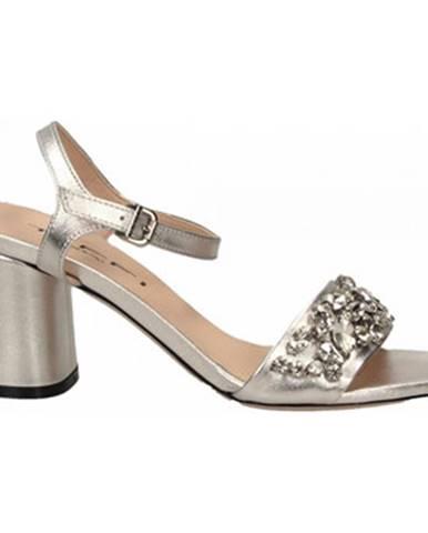 Sandále Tiffi